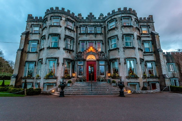 4 Night Castle and Hotel Tour